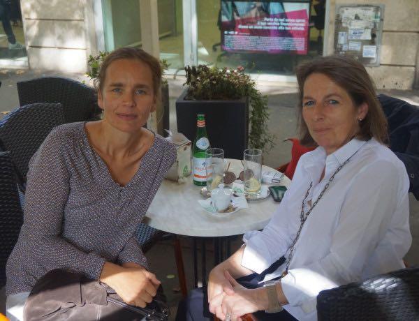 Martha Demiris (a destra) con Veronica Quaroni